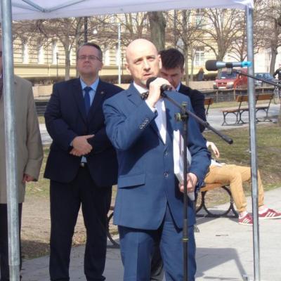 prof. Jan Wiktor Sienkiewicz podczas wystąpienia na otwrciu wystawy
